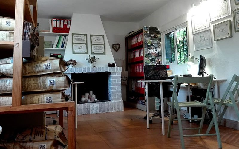 Recepción y tienda de Peludos Residencia Canina y Felina.